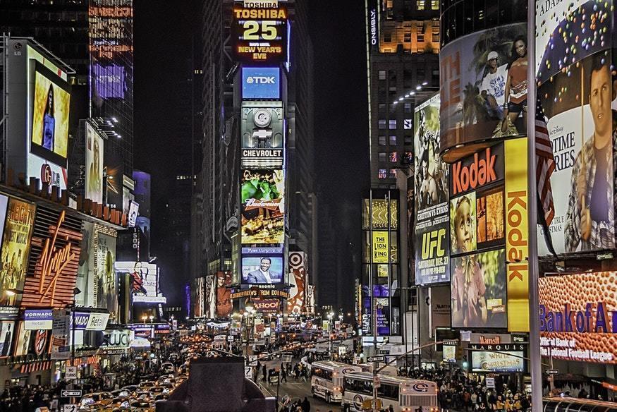 ¿Cuáles son los pilares a considerar para una campaña de publicidad exitosa? - pexels photo 802024