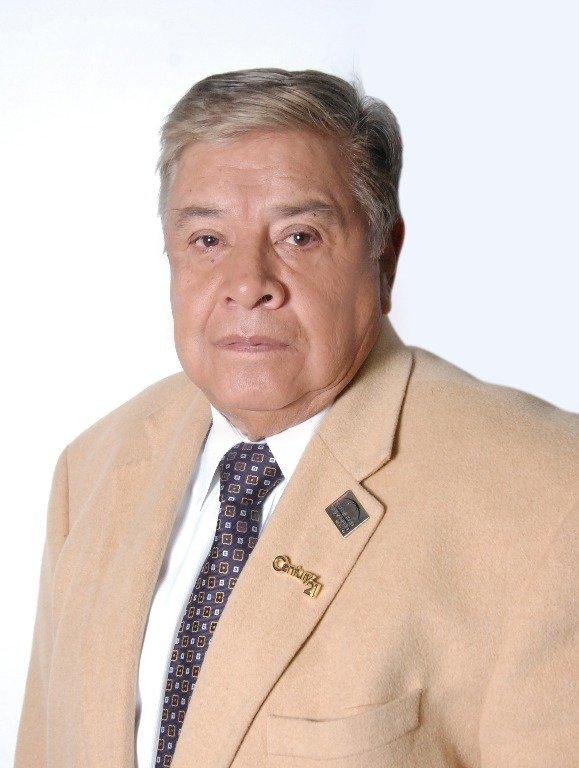 """""""Con 71 años me he especializado en lo que realmente me gusta"""" Luis Alberto Ramos, alumno de IEBS - Luis Alberto Ramos 3"""