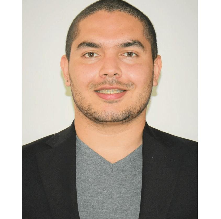"""""""Los casos prácticos de IEBS me han ayudado a crear objetivos y propósitos más allá de la rentabilidad comercial"""" Julian Viera, alumno de IEBS. - Diseño sin título 39"""
