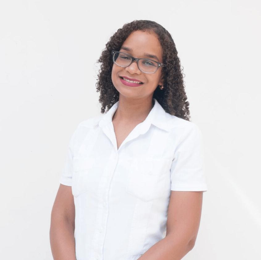 """""""Empecé mis estudios en IEBS hace 5 meses y ya he podido aplicar los conocimientos adquiridos en mi empleo actual"""" Vilma Beard, alumna de IEBS - Diseño sin título 43"""