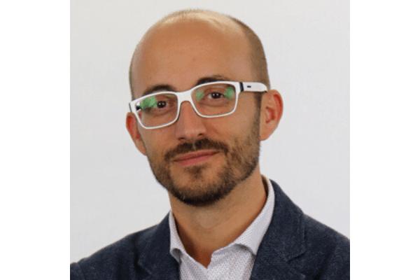 """""""El master me ha permitido poder aplicar una de mis pasiones, los juegos, en los proyectos que desarrollamos"""", Cesc Garriga, alumno de IEBS - Diseño sin título 8 1"""