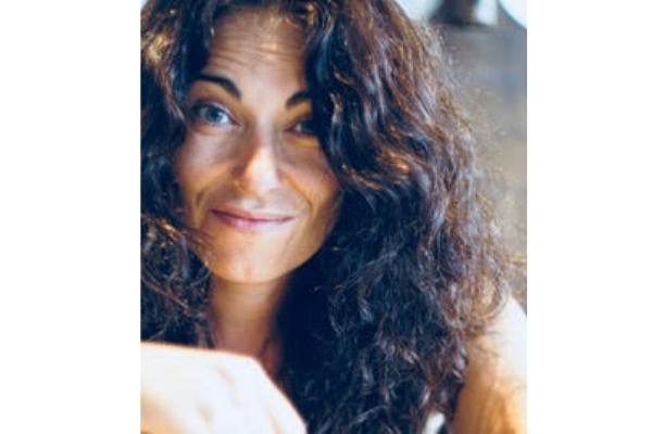 """""""Con el aprendizaje que he recibido, es difícil no llegar a mis metas, IEBS te orienta para que seas capaz de conseguirlo"""" Marisa Fuentes, alumna de IEBS - Entrevista Marisa Fuentes 2"""
