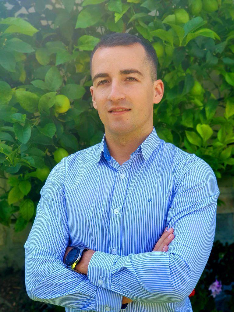 """""""Elegí IEBS por su apuesta formativa, mucho más adaptada a lo que el mercado requiere que el resto"""", Jon Preciado, exalumno de IEBS - Entrevista a Jon Preciado 3 768x1024"""